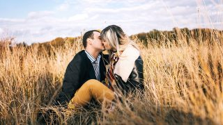 10 Signs a Cancer Man is in Love with You
