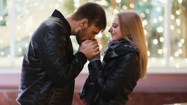 Libra Man & Cancer Woman Compatibility: Perfect Match?