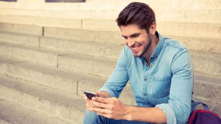 How Do You Get a Sagittarius Man to Text You?