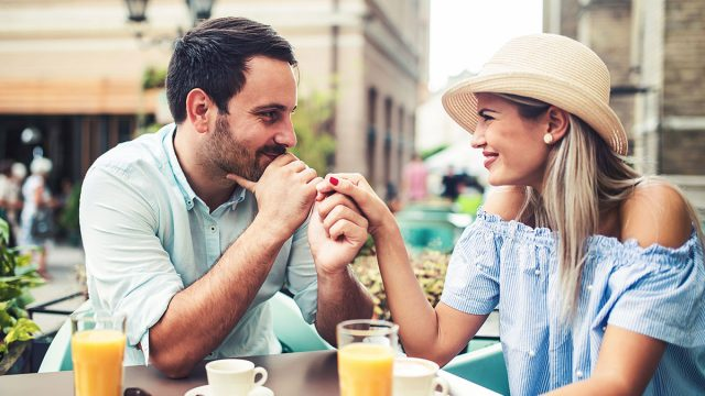 10 Key Tips to Getting a Virgo Man's Attention
