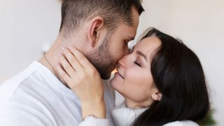 How Does a Virgo Man Like to Kiss?